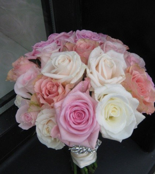 Bridesmaid bouquet of mixed roses