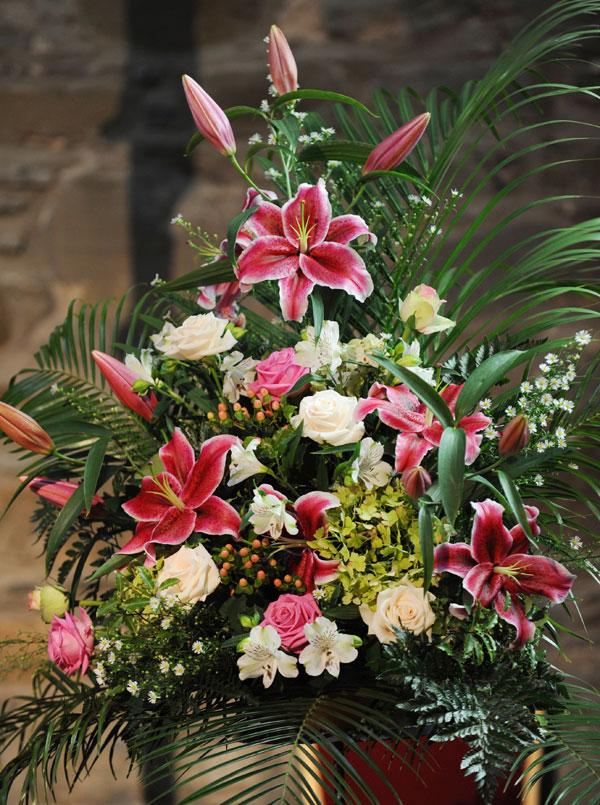 Wedding Flowers Killarney : Arney cathedral wedding shades of bloom floral design