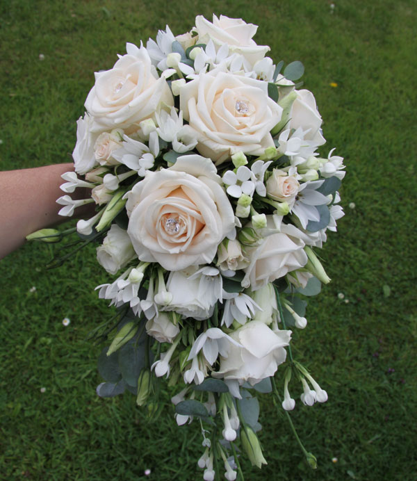 Tear shaped bridal bouquet with roses