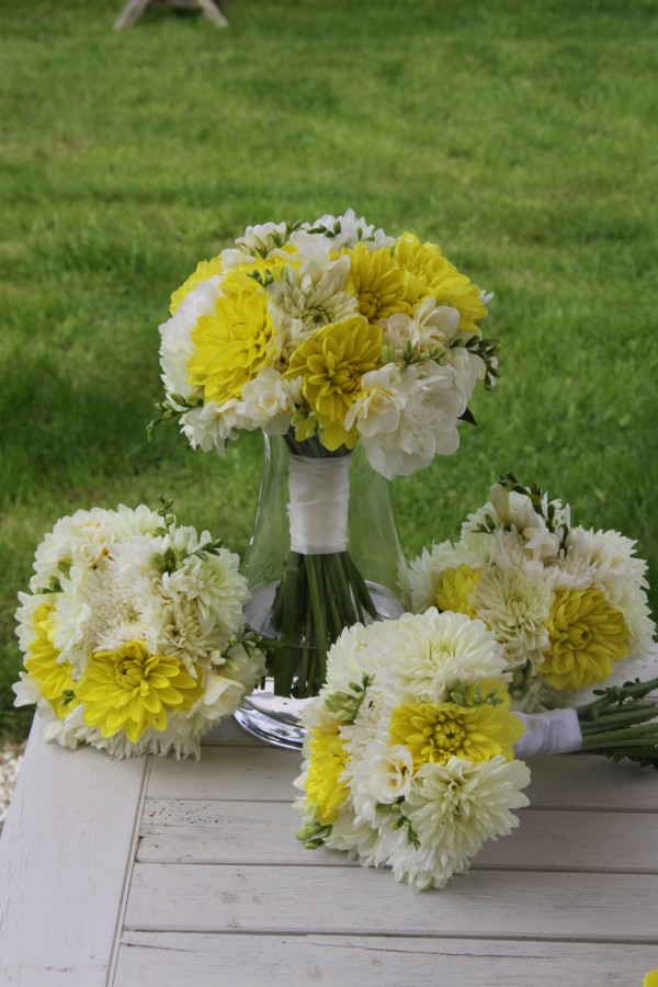 Bridesmaids and Bride Bouquet mixed dahlias