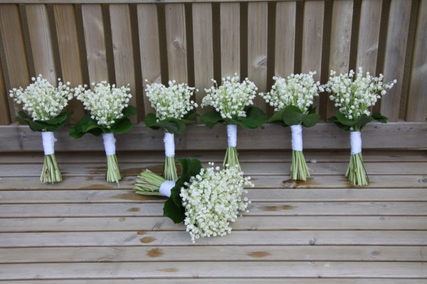 Lily-of-the-valley-bridesmaids