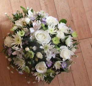 White Oval Wreath