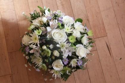White Oval Wreath