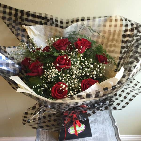 Classic Valentine's Day Dozen Red Roses