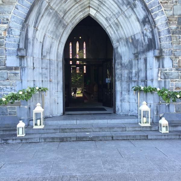 Wedding Altar Call: Shades Of Bloom Floral Design