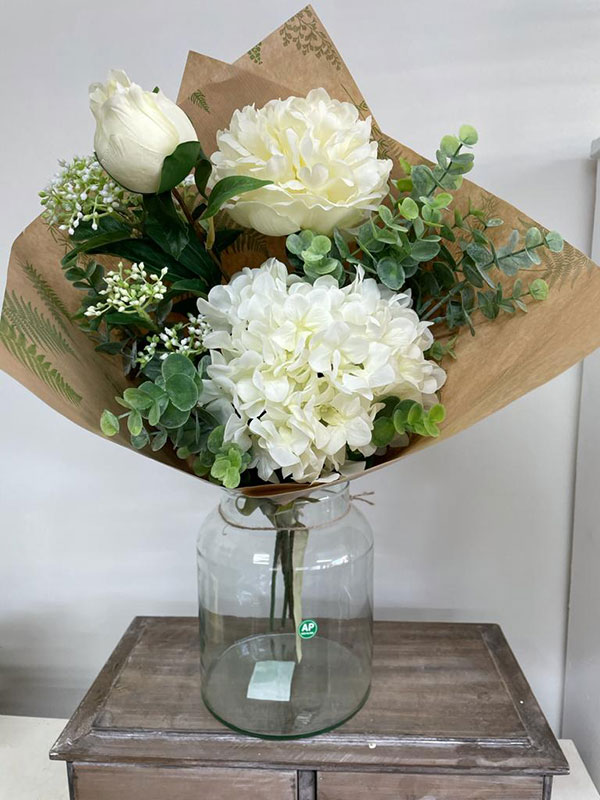 High quality faux flowers and foliage
