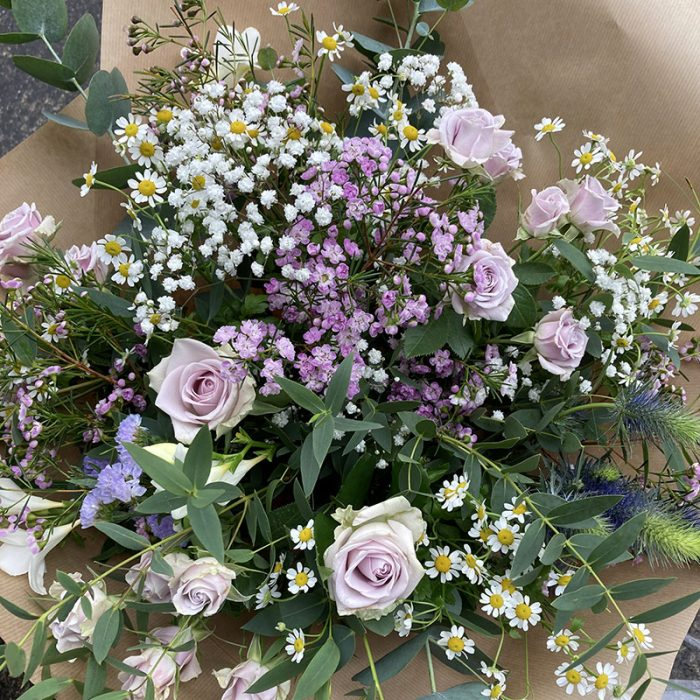 fortnightly flowers subscription