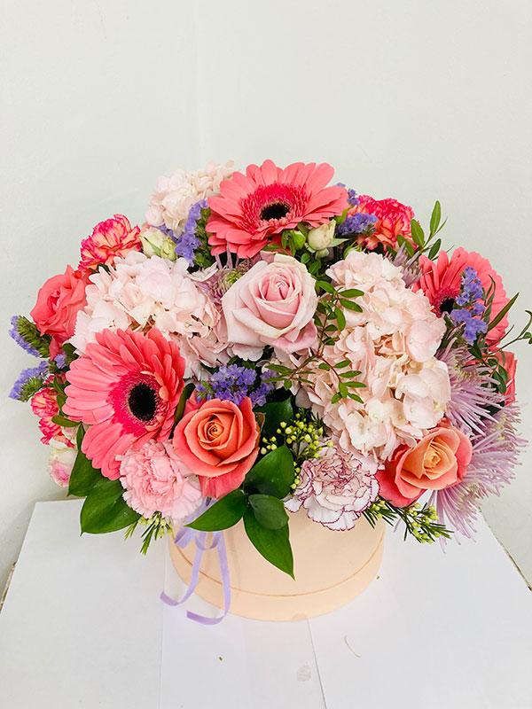 moms peach blooms bouquet